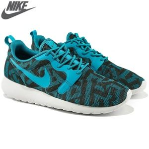 Nike Womens Roshe One Kjcrd